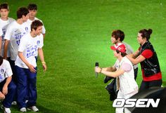 [NEWS//OSEN] 2pm performing for friendly soccer match between South Korea & New Zealand! #2PM #Junsu #Nichkhun #Taecyeon #Wooyoung #Junho #Chansung  © osen.mt.co.kr