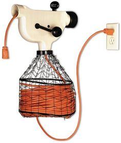 Power Cord Winder http://kk.org/cooltools/archives/14455