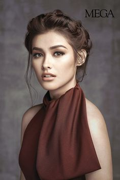 long hair Liza Soberano portrait display bare shoulders brown eyes open mouth looking at viewer Most Beautiful Faces, Beautiful Eyes, Gorgeous Girl, Cara Delevigne, Filipina Beauty, Filipina Makeup, Black And White Portraits, Female Portrait, Woman Face
