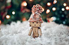 danboard_hat_winter_cardboard_robot_54514_4774x3162