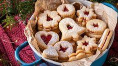 Linecké cukroví představuje vánoční klasiku. Bagel, Doughnut, Bread, Cookies, Desserts, Food, Crack Crackers, Tailgate Desserts, Deserts