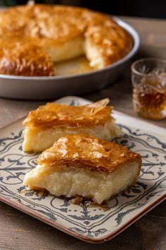 Γαλακτομπούρεκο | Συνταγή | Argiro.gr Greek Sweets, Greek Desserts, Greek Recipes, Cyprus Food, Puff Pastry Desserts, Sweets Cake, Biscotti, Food Photography, Deserts