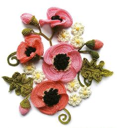 Beautiful crochet poppies. FREE tutorial.