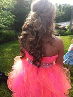 I would definitely do something simple for my hair, and it might be weird but I really don't like my shoulders so I would wear it down for sure. Oh and I love the colors of the dress :)