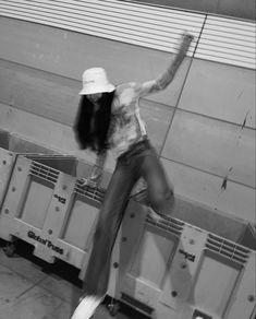Yg Entertainment, Lisa Blackpink Wallpaper, Black Pink Kpop, Dark Photography, Blackpink Photos, Blackpink Fashion, Blackpink Lisa, Blackpink Jennie, Mamamoo
