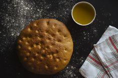 Torta de Aranda o Pan de aceite Empanadas, Dairy, Cheese, Food, Bread Recipes, Homemade Recipe, Oil, Homemade, Food Cakes
