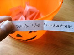 Halloween Charades Party Game Idea by sweetmellyjane. Maybe instead of halloween I would use the civilizations since its a study part. Halloween Tags, Halloween Class Party, Halloween Games For Kids, Halloween Birthday, Holidays Halloween, Halloween Crafts, Happy Halloween, Childrens Halloween Party, Halloween Party Activities