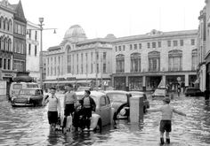 Irish Examiner has so many great archive pictures of Cork City taken in the early a look at the same locations 'Then & Now'. Old Photos, Vintage Photos, Cork City Ireland, Little Island, Timeline Photos, Ciel, Belle Photo, Dublin, Street View