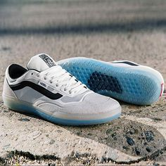 Introducing the Vans AVE Pro! The signature skate shoe designed for longtime Vans global team rider Anthony Van Engelen. Vans Sneakers, Converse Sneaker, Puma Sneaker, Sneakers Mode, Anthony Van Engelen, Sneaker Outfits, New Shoes, Men's Shoes, Dress Shoes