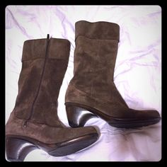 Dansko Brown Suede Leather Zip Boots Awesome boots, just a little snug for me Dansko Shoes Heeled Boots