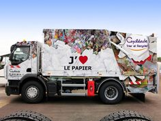 #Totalcovering pour #Cycléade, entreprise de recyclag qui valorise son activité en communicant sur ses véhicules. Un marquage illustrant en faux-semblant les métiers de Cycleade, recouvre les véhicules de service.