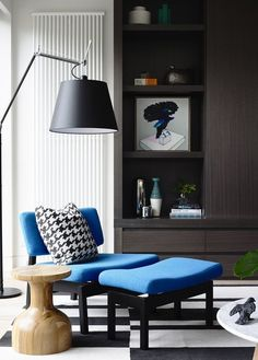 House & Apartment: ALH Resident, Excellent Home Redecoration by Mim Design. Great Reading Place Design with Blue Chair and Big Lamp Living Room Designs, Living Room Decor, Living Spaces, Decoration Inspiration, Interior Inspiration, Decor Ideas, Room Ideas, Mim Design, Design Furniture