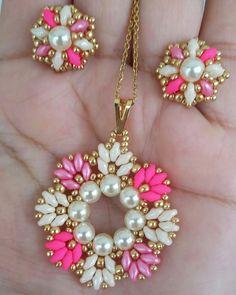 Beaded Earrings Patterns, Bead Earrings, Beaded Necklace, Beaded Bracelets, Bead Jewellery, Jewelry Making Beads, Earring Tutorial, Jewelry Crafts, Jewelry Design