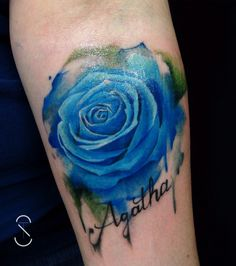 My beautiful water colour forearm tattoo from Thomas, Skin City Tattoo, Nürnberg #watercolour #bluerose #flowertattoo #forearmtattoo #rose