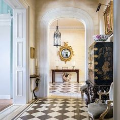 Exterior : Mario Buatta Decorates a Stately Charleston Mansion for Patricia Altschul : Architectural Digest