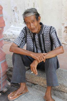 Un vieux monsieur qui me demande de le prendre en photo à #Malacca