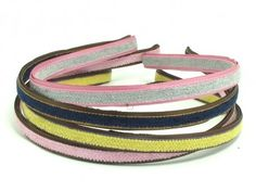 Add a little bit of sparkle and glamour to your hair with the Lilou Headband