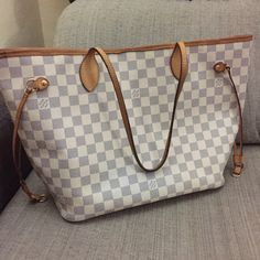 IN LOVE with my new Louis Vuitton handbag! ❤️❤️