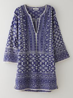 Lightweight cotton tunic dress in an all over embroidery from Etoile Isabel Marant. Mode Chic, Mode Style, Style Me, Fashion Moda, Look Fashion, Vetements Clothing, Dress Me Up, Get Dressed, Passion For Fashion