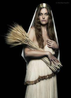 Demetra, sorella di Zeus,madre di Persefone, nella mitologia greca è la dea del grano e dell'agricoltura, costante nutrice della gioventù e della terra verde, artefice del ciclo delle stagioni, della vita e della morte.