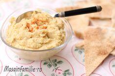 Hummus, reteta clasica de hummus cu tahini. Hummus cu pasta de susan, usturoi, lamaie si ulei de masline. Salata aperitiv - hummus!