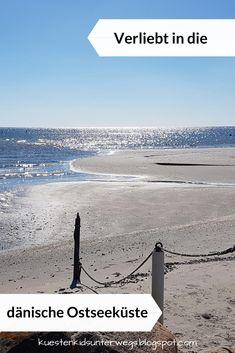 Verliebt in die dänische Ostseeküste - Urlaub in Dänemark. Das erste Mal am Strand ist schon etwas ganz Besonderes! Auf Küstenkidsunterwegs erzähle ich Euch, wie mich die Landschaft Nordjütlands, die Strände und Dünen sowie die Gegend um Asaa in ihren Bann gezogen haben. #dänemark #urlaub #ostsee #küste #nordjütland #nördlich #norden #norddänemark #strand #dünen #meer #verliebt #liebe #landschaft #kind #familie #ostseeküste