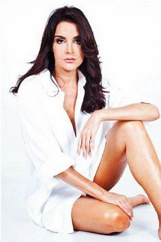 Bellezas venezolanas: la hermosa Kiara...excelente voz