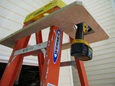 DIY – John's Ladder Buddy – NicholsNotes Woodworking Projects Diy, Diy Wood Projects, Home Projects, Woodworking Shop, Diy Garage Storage, Tool Storage, Diy Regal, Garage Tools, Garage Shop