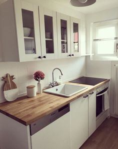 Best Indoor Garden Ideas for 2020 - Modern Ikea Small Kitchen Table, Kitchen Prep Table, Space Saving Kitchen, Ikea Kitchen Cabinets, Small Apartment Kitchen, Knoxhult Ikea, Small Bathroom Paint, House And Home Magazine, Küchen Design