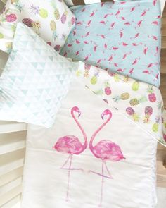 Modern girls crib blanket. Tropical crib blanket. Flamingo pineapple baby blanket. Cot blanket. Baby bedding. Crib bedding.