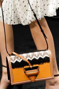Fall Handbags, Chanel Handbags, Purses And Handbags, Designer Handbags, Fashion Handbags, Fall Bags, Mini, Womens Fashion, Fashion Trends