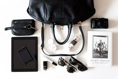Discover recipes, home ideas, style inspiration and other ideas to try. What's In My Purse, Whats In Your Purse, What In My Bag, What's In Your Bag, Mini Purse, Celine Micro Luggage, Inside My Bag, Magic Bag, Go To New York