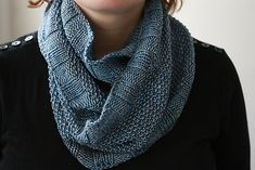 Simple seed stitch cowl by Pongue Ette - free