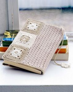 crochet book cover - I would love to do this when giving a book as a gift.