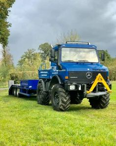 Mercedes Benz Unimog, Mercedes Truck, G Class, 4x4 Trucks, Heavy Equipment, Monster Trucks, Guns, Vehicles, Wheelbarrow