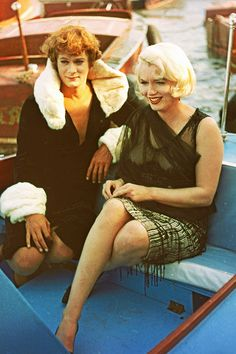 Tony Curtis & Marilyn Monroe on the set of 'Some Like it Hot', 1959.
