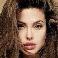 Confira as fotos das famosas antes e depois do Photoshop: