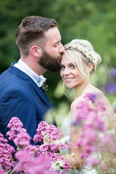 Crockwell farm, Northamptonshire weddings venue, real weddings, wedding day, bride, groom, bride style, wedding photography, wedding photographers, By SkyPhotography  www.skyphotography.co.uk