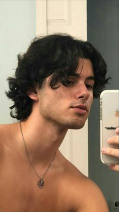 Middle Part Hairstyles Men, Middle Part Curly Hair, Boys With Curly Hair, Curly Hair Men, Boy Hairstyles, Wavy Hair, Curly Hair Styles, Mullet Haircut, Mullet Hairstyle