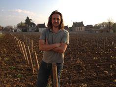 Le travail de la vigne est une tradition familiale depuis 9 générations. En 2006, Philippe Bouzereau fils prend à son tour la tête du domaine pour perpétuer le savoir-faire dans l'élaboration de grands vins de Bourgogne.