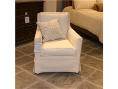 Shop for Vanguard Factory Outlet Coastal Living Slipcover Chair by Vanguard Furniture, M/S5366-CH, and other Living Room Chairs at Hickory Furniture Mart in Hickory, NC. Item Location: Hickory Store - Phone: (828) 855-3220  Limited availability. Please call for details.