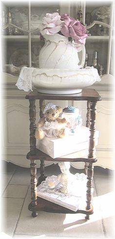 Brocante Meubels,gerestylde meubels,trendy kleuren,Flamant en Farrow & Ball
