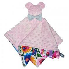 Miś - przytulanka dla niemowlaka, to przytulanka wykonana z najwyższej jakości tkanin, z zachowaniem wymogów bezpieczeństwa. Zapewni dziecku wspaniałą zabawę, będzie niezastąpionym przyjacielem do zasypiania, jednocześnie wspierając jego rozwój. Bunting Flags, Fabric Bunting, Bear Toy, Teddy Bear, Teepee Tent, Jüngstes Kind, Sensory Toys, Bar, Kid Beds