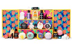Lush has just launched it's first ever advent calendar for Christmas 2019 and we are obsessed After Christmas, Christmas Love, Christmas 2019, The Body Shop, Make An Advent Calendar, Mademoiselle Bio, Lush Beauty, Poncho, Advent
