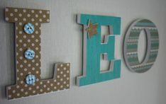 prénom personnalisé lettre en bois léo : Décoration pour enfants par mylittledecor