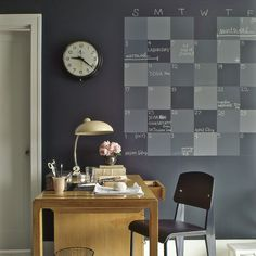 If you thought chalkboards were just for schoolrooms, think again. These wipe-off writing surfaces make handy helpers around the home, too. Chalkboard Wall Calendars, Diy Chalkboard Paint, Chalkboard Walls, Homemade Chalkboard, Chalkboard Ideas, Black Chalkboard, Outdoor Chalkboard, Kitchen Chalkboard, Desk Calendars