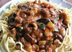 Houbová směs na špagety No Salt Recipes, Pasta Recipes, Main Meals, Spaghetti, Stuffed Mushrooms, Good Food, Food And Drink, Low Carb, Menu