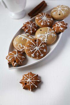 Vegan Gingerbread Cookies - Vanillacrunnch