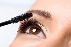 Consigli e rimedi a base di prodotti naturali per rimuovere le macchie della pelle