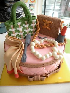 Cake fit for a fashionista :) #socool!